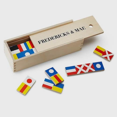 Fredericks & Mae Dominos Set