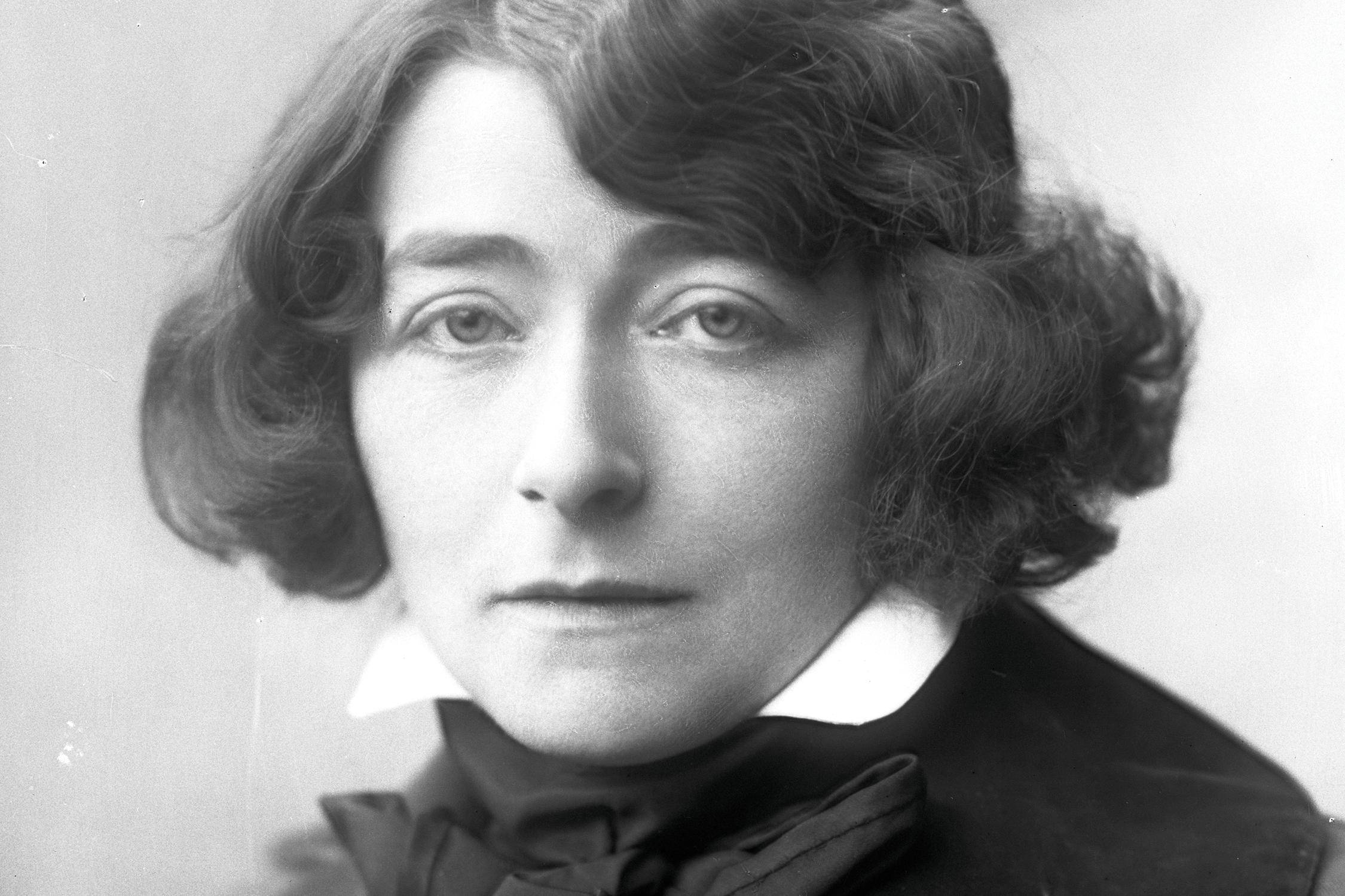 Eileen Gray as a young woman.