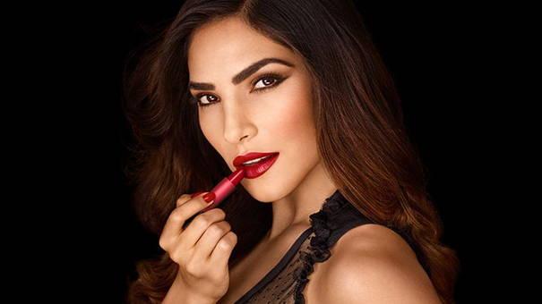 rouge à lèvres pour la peau bronzée