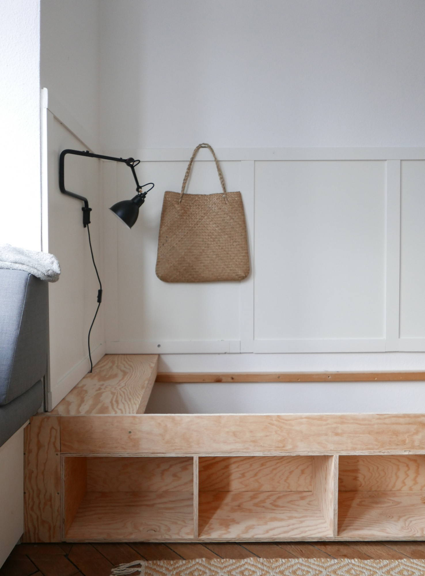 Gästezimmer Bett DIY Wandverkleidung