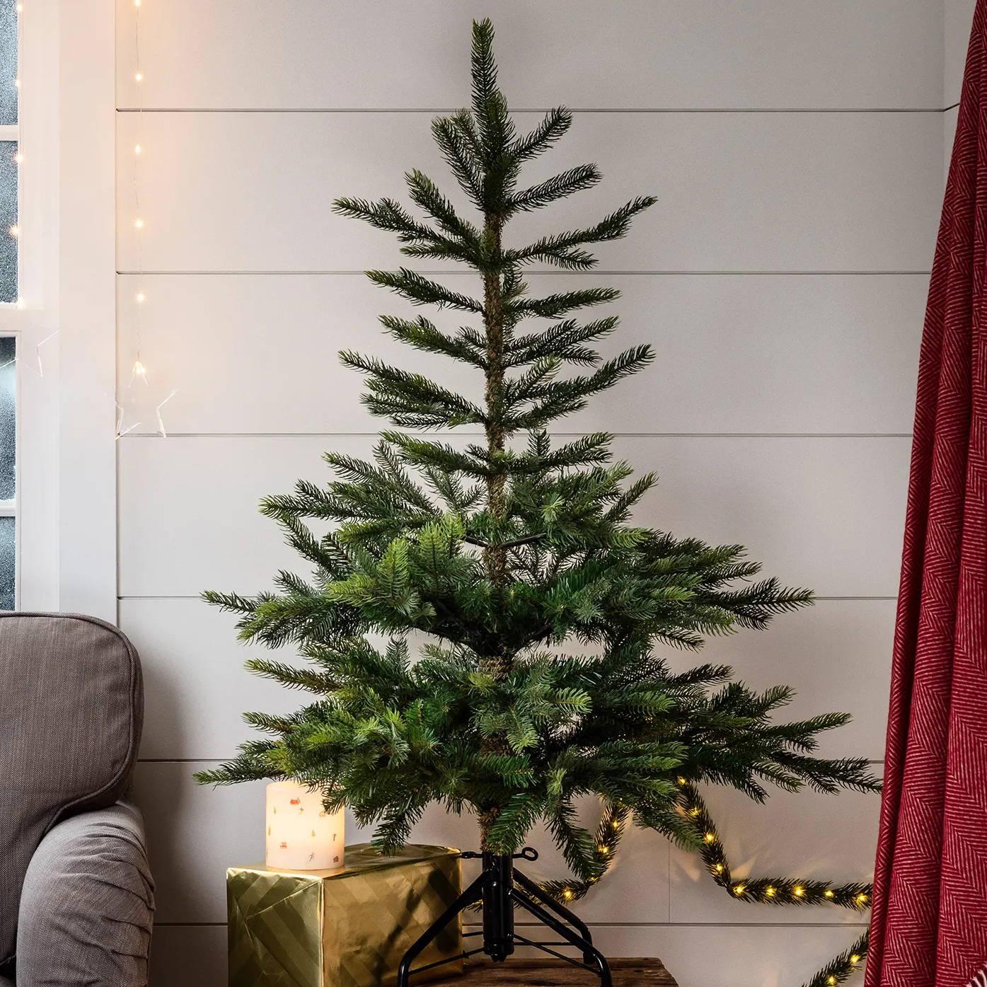 4ft Grandis artificial Christmas tree