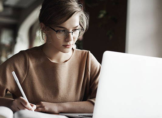 young-woman-preparing-for-an-online-test