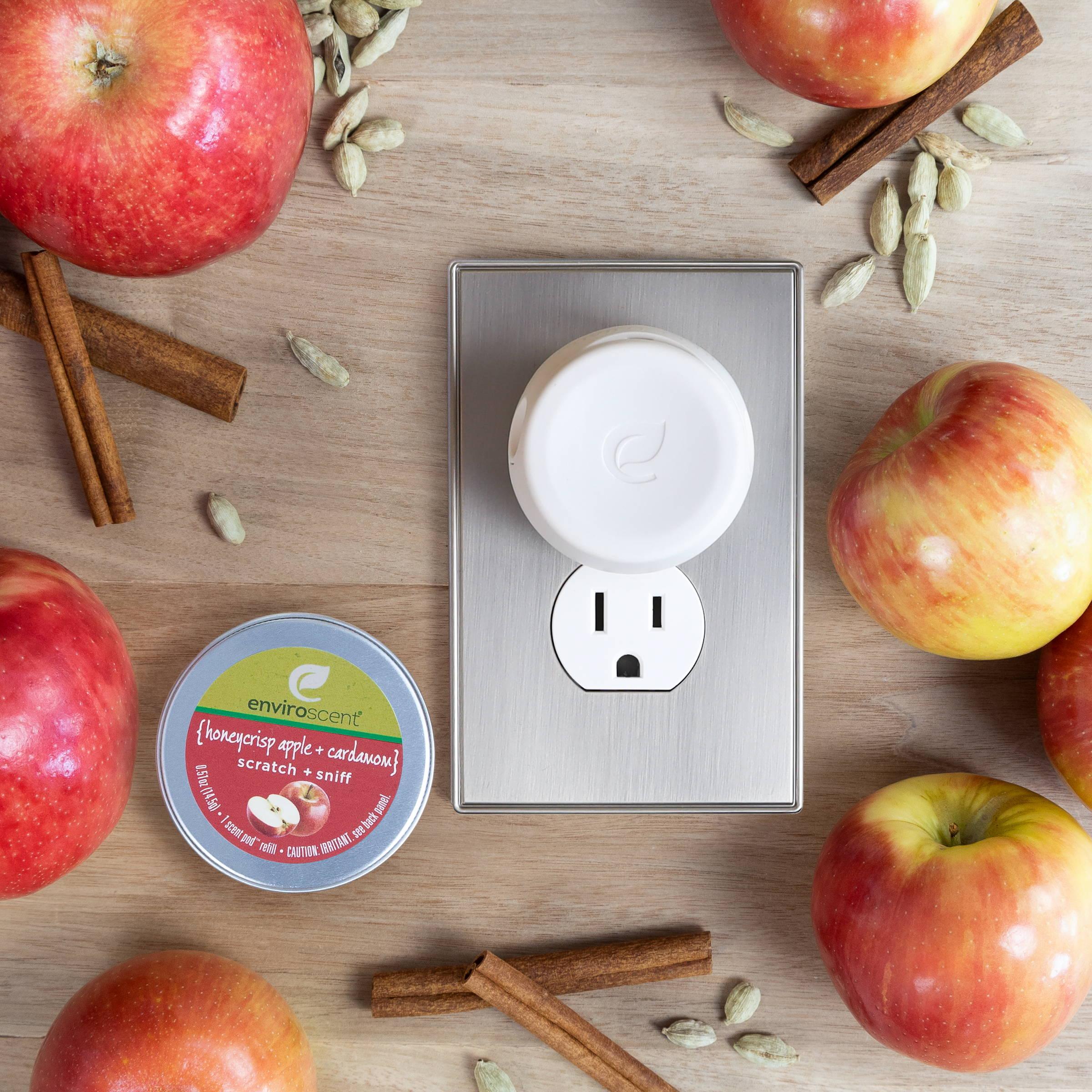 Plug Hub Starter Kit in  Honeycrisp Apple + Cardamom