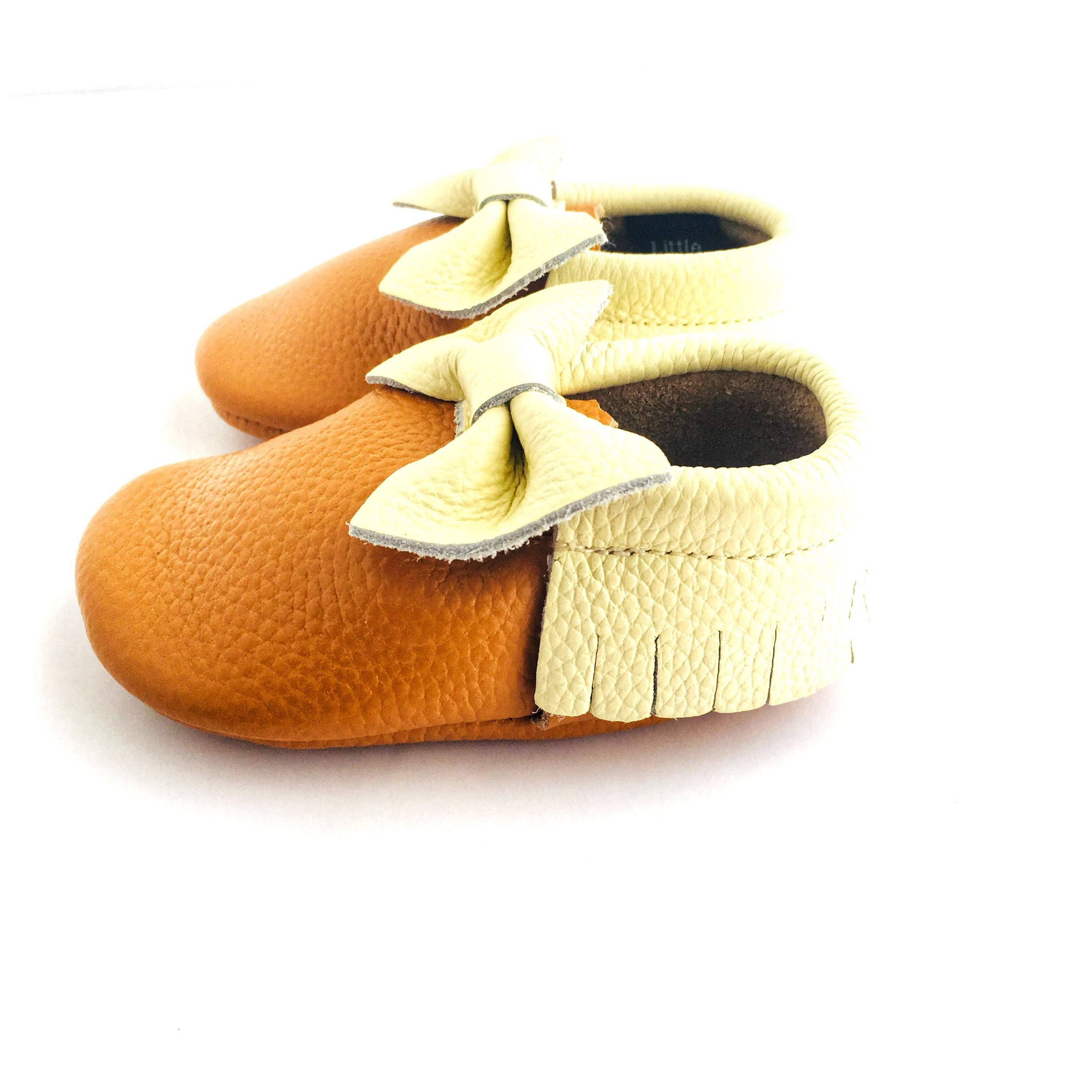 Bow Baby Soft Sole Shoe Cream and Caramel sole view