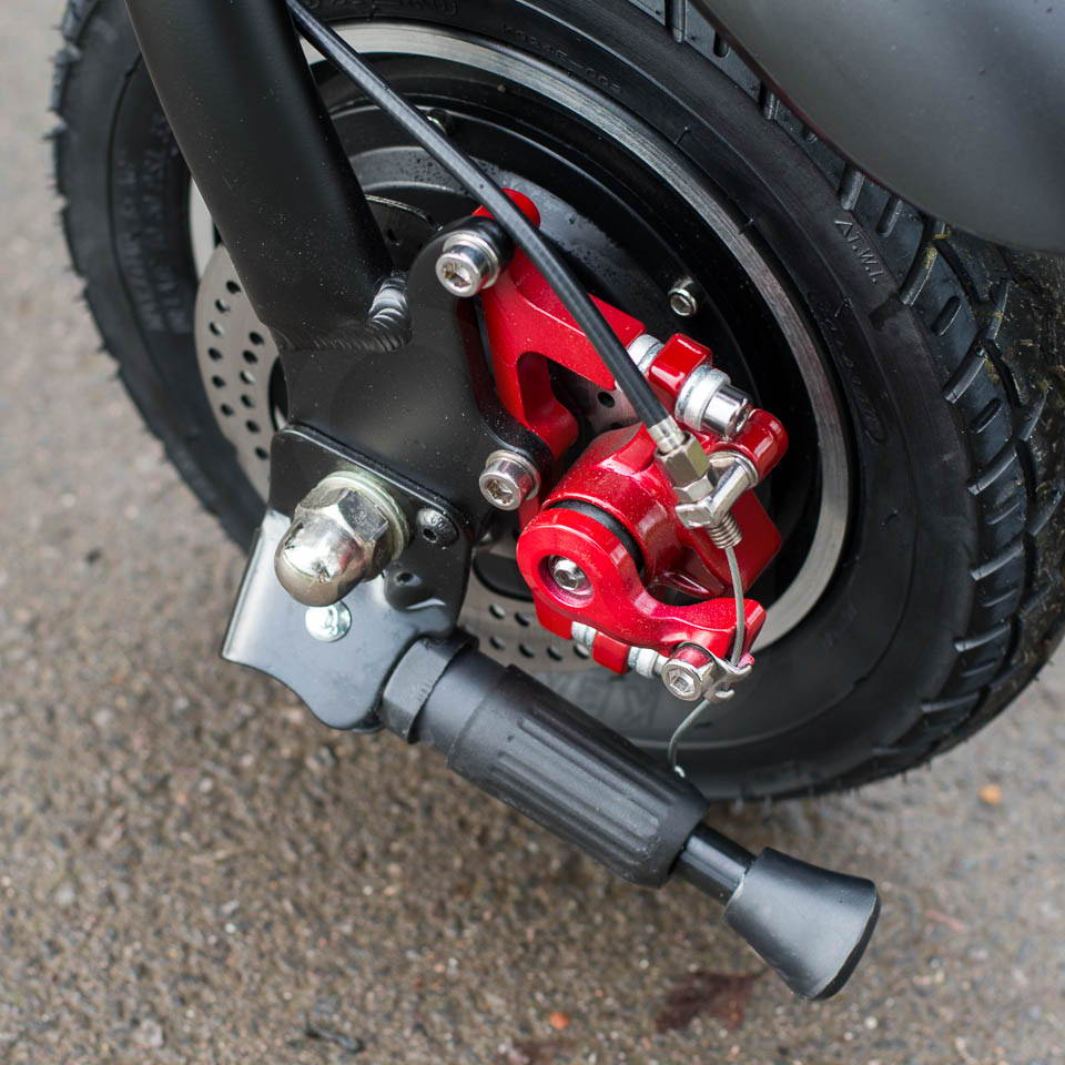 InMotion P1F hybrid scooter ebike rear brake