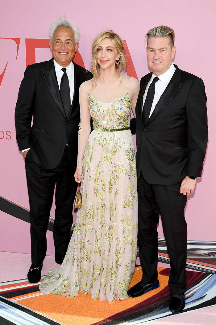 Saturday Night Live's Heidi Gardner looks gorgeous in Badgley Mischka Couture spring 2019 at tonight's CFDA Awards in New York, where she is attending as Mark & James' guest.