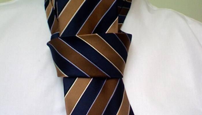 Pratt knot being tied