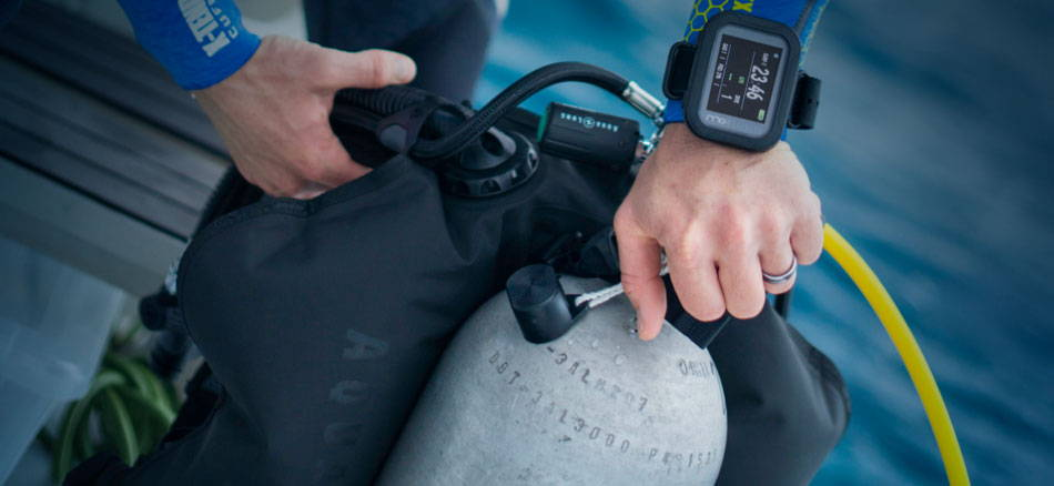 Looking for scuba tanks? Try our dealer locator.