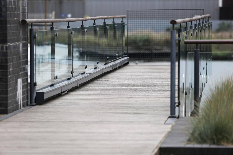 Terrasse antidérapante à Canary Wharf, Londres