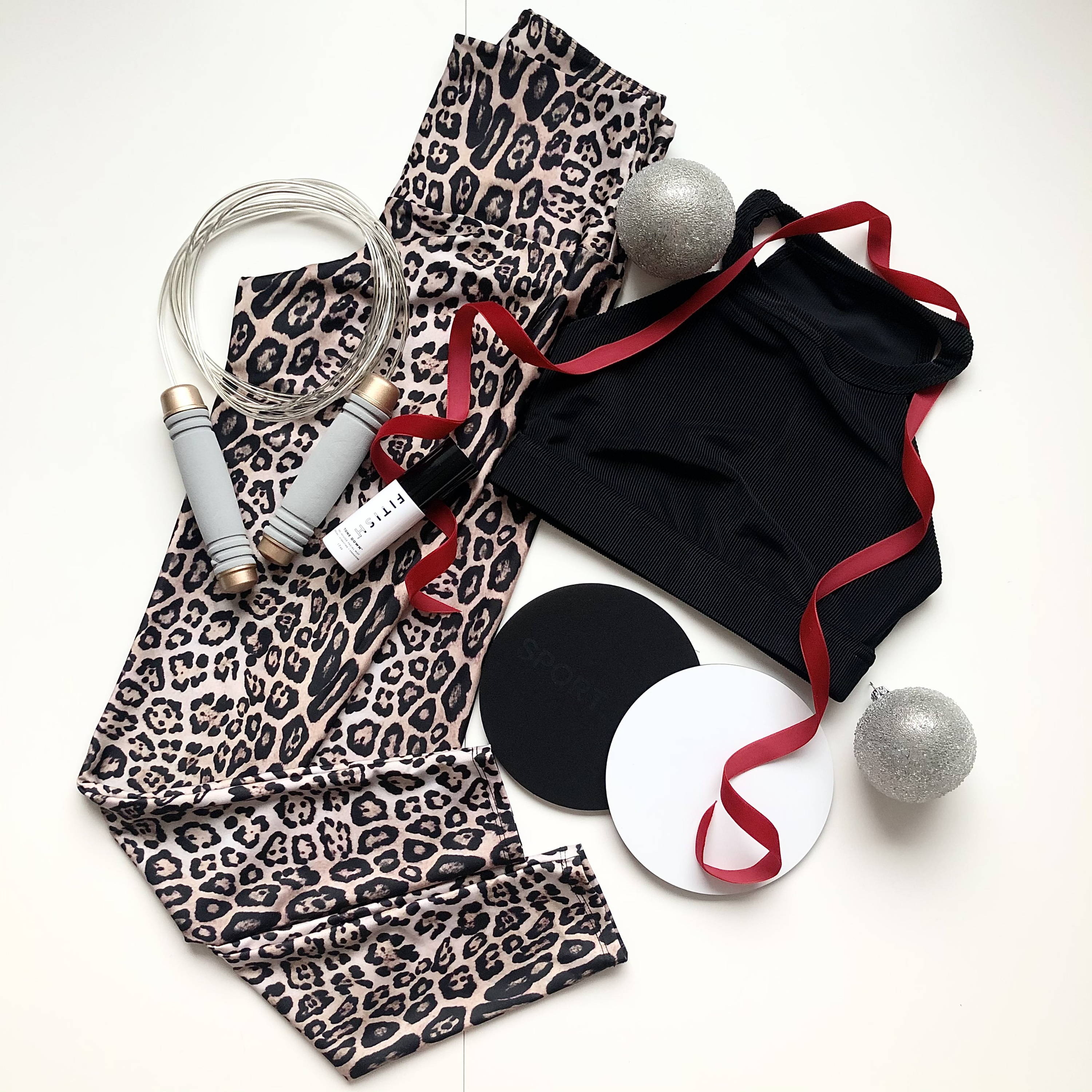 30 Incredible Holiday Gifts to Give the Fit Women in your Life
