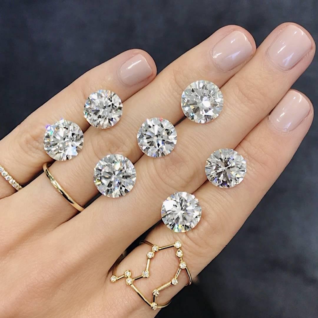 Loose Diamonds on a hand