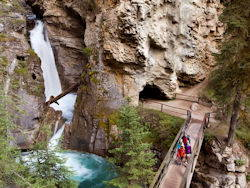 One With Nature - Johnston Canyon - Sightseeing