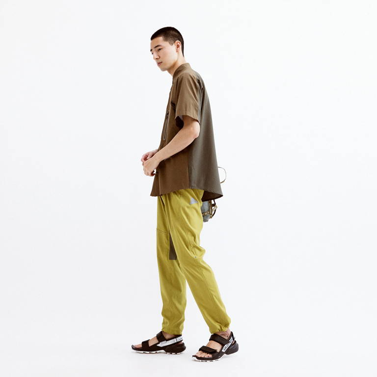 andwander(アンドワンダー)/テックショートスリーブシャツ/カーキ/UNISEX