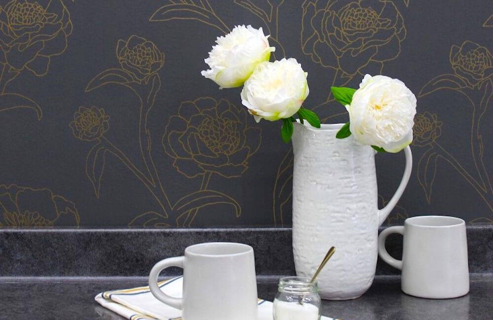 Browse wallpapers that are spot on for the everlasting floral interior design trend.