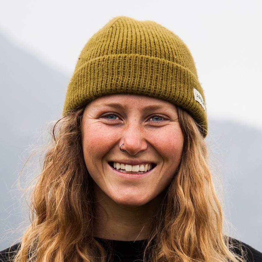 Lisa Peters Headshot