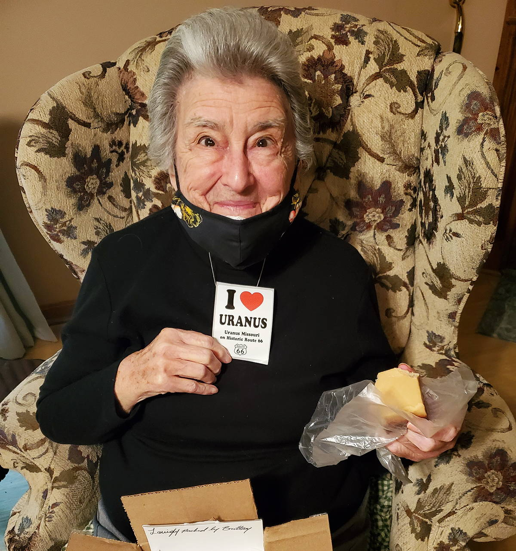 91 year old grandma gets her fudge packed