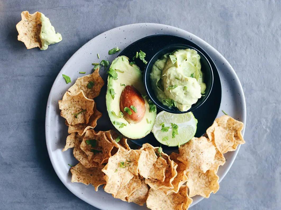 Recette de guacamole santé réduite en gras signée Isabelle Huot Docteure en nutrition sur son blogue de recettes