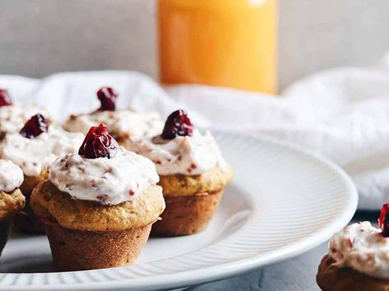 Minis-cakes citrouille, canneberges et chia de Isabelle Huot Docteure en nutrition
