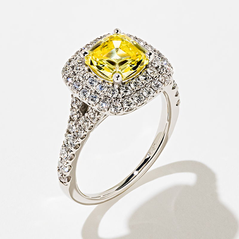 Novia Engagement Ring with Yellow Fancy Color Lab Grown Diamond