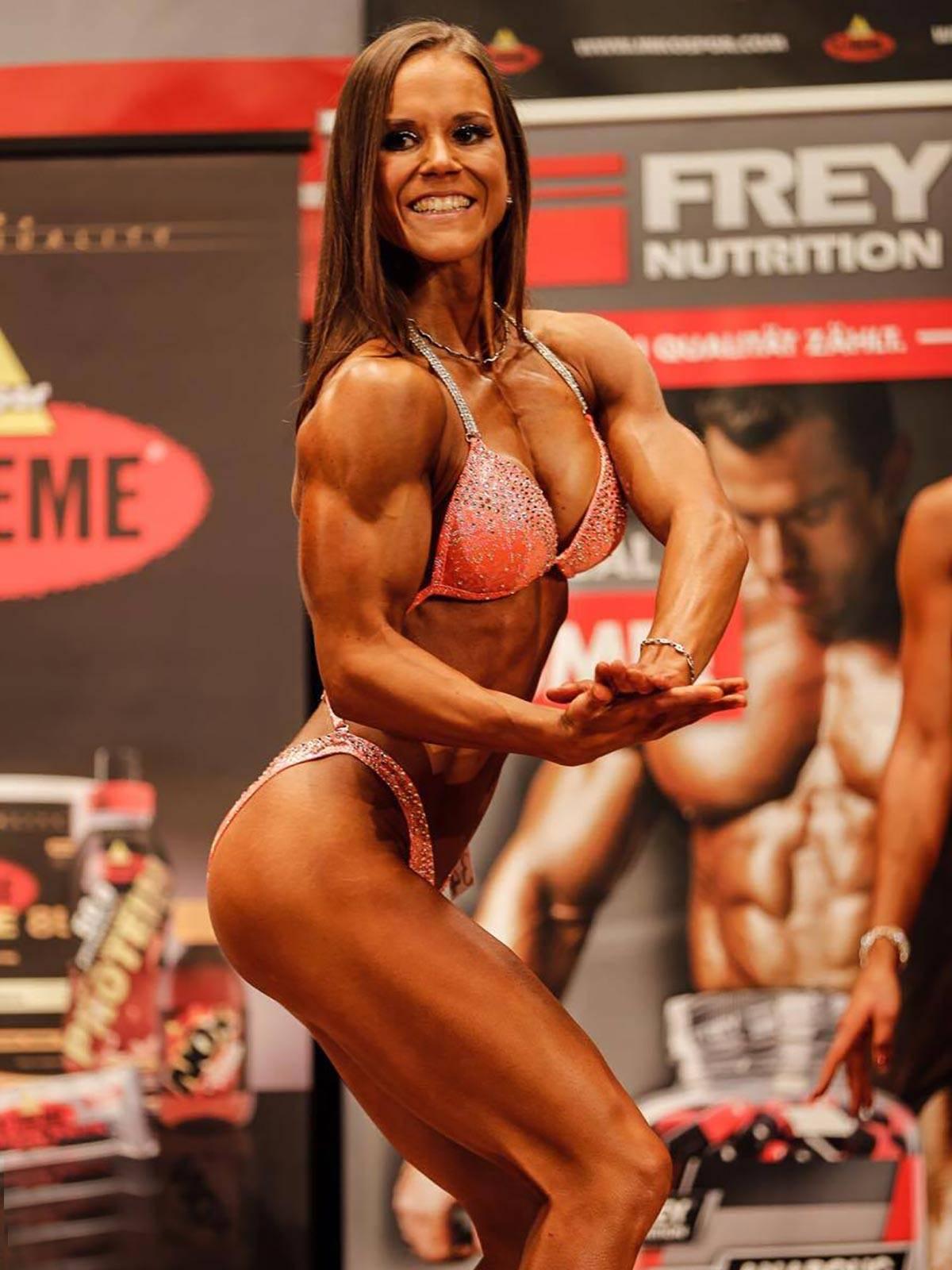 semper fi body concept Natural Bodybuilding Wettkampf Coaching NAC Norddeutsche Meisterin Birthe Mack