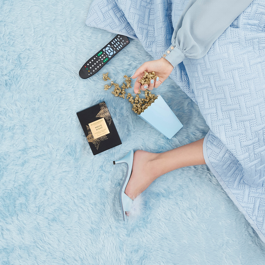https://www.glasshousefragrances.com/products/movie-night-380g-soy-candle?variant=32386475294804