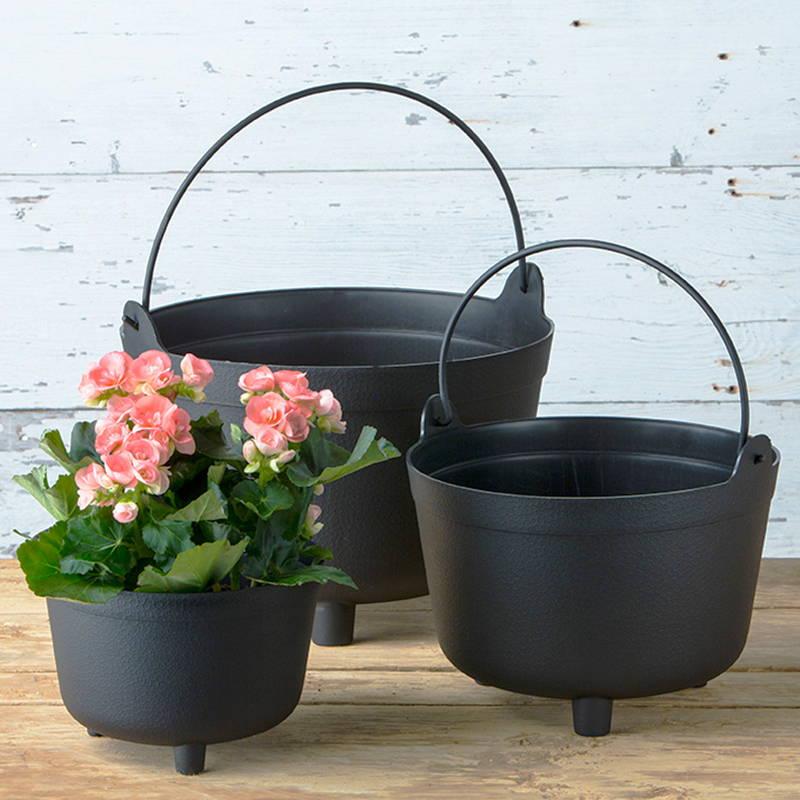 Black antique kettles