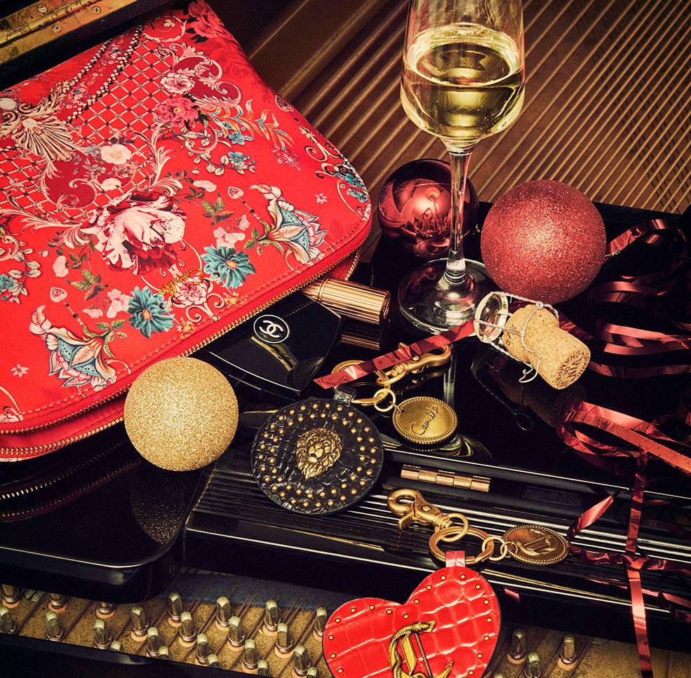CAMILLA make up bag and key rings