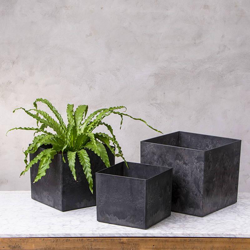 Black kona square planter set