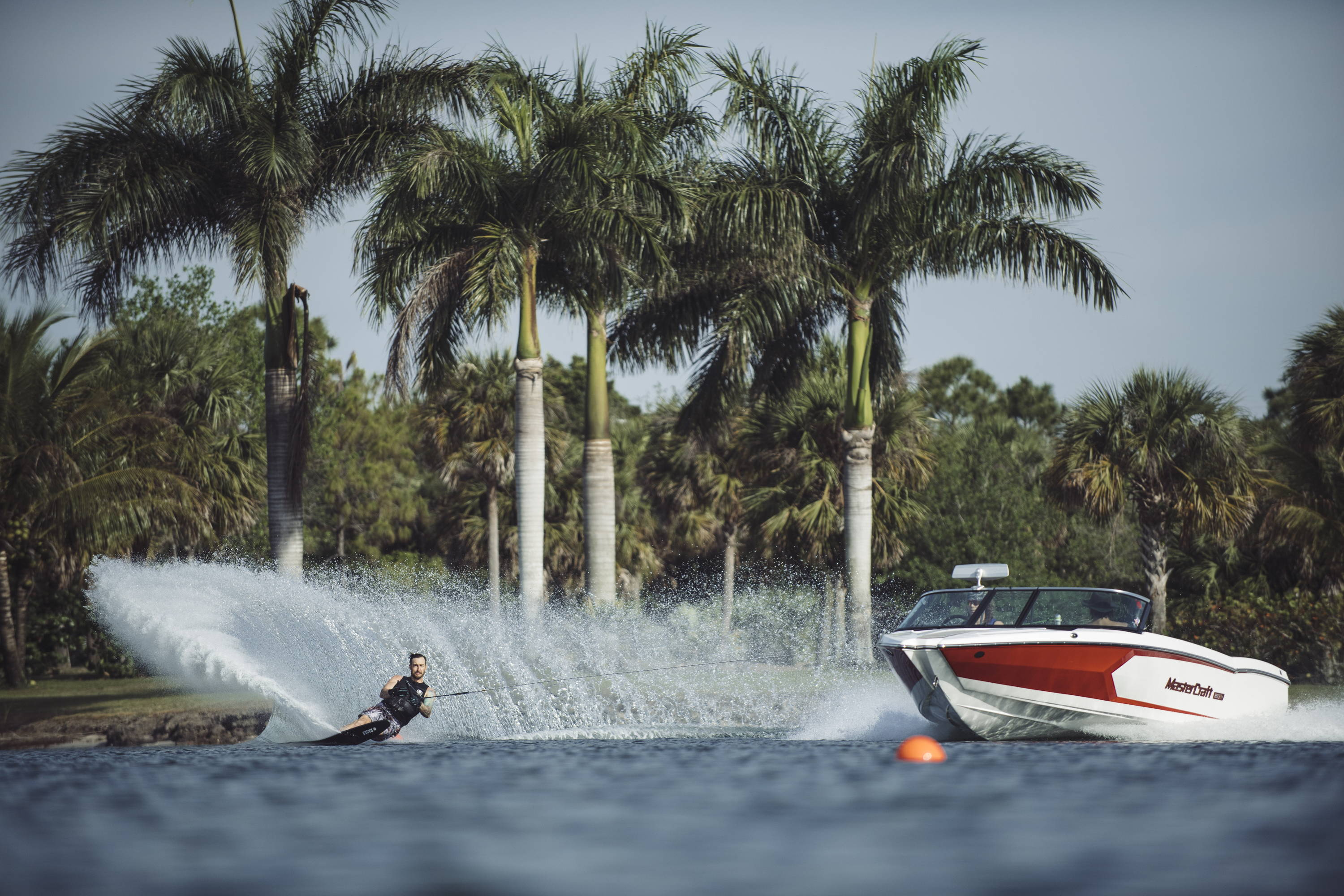 Waterskiing, QLD waterspouts, where to waterski, best places to waterski in Queensland