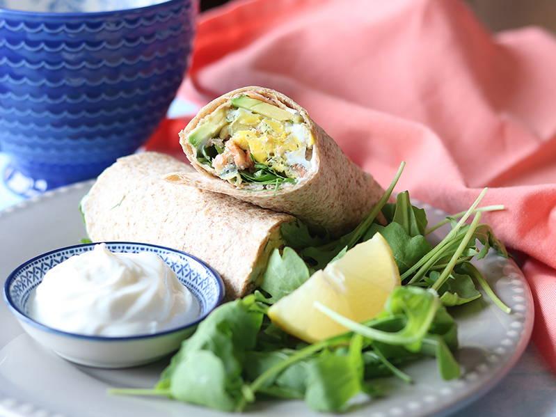 Recette santé : omelette au saumon fumé en tortilla. Sur le blogue santé signé Isabelle Huot Docteure en nutrition