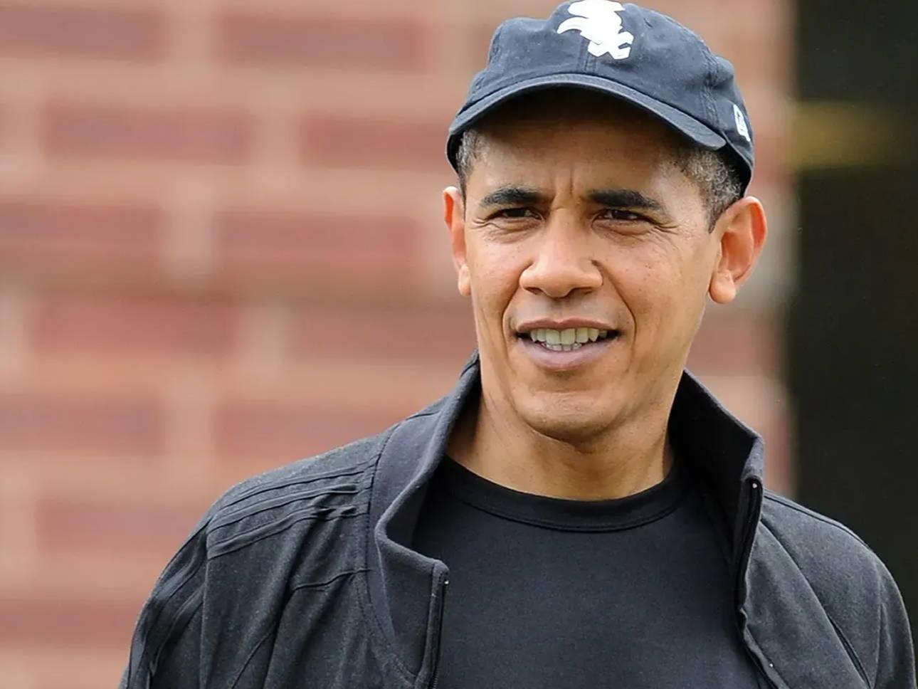 Obama wearing cap