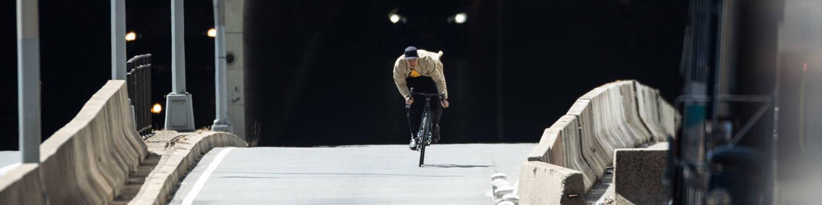 Chari & Co Model on bike