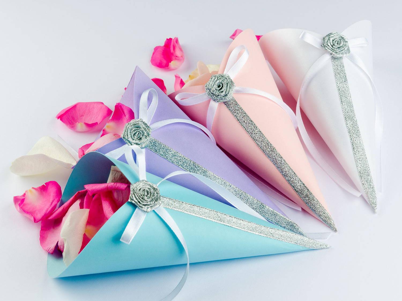 Joyful Couple Recommend: Wedding Items
