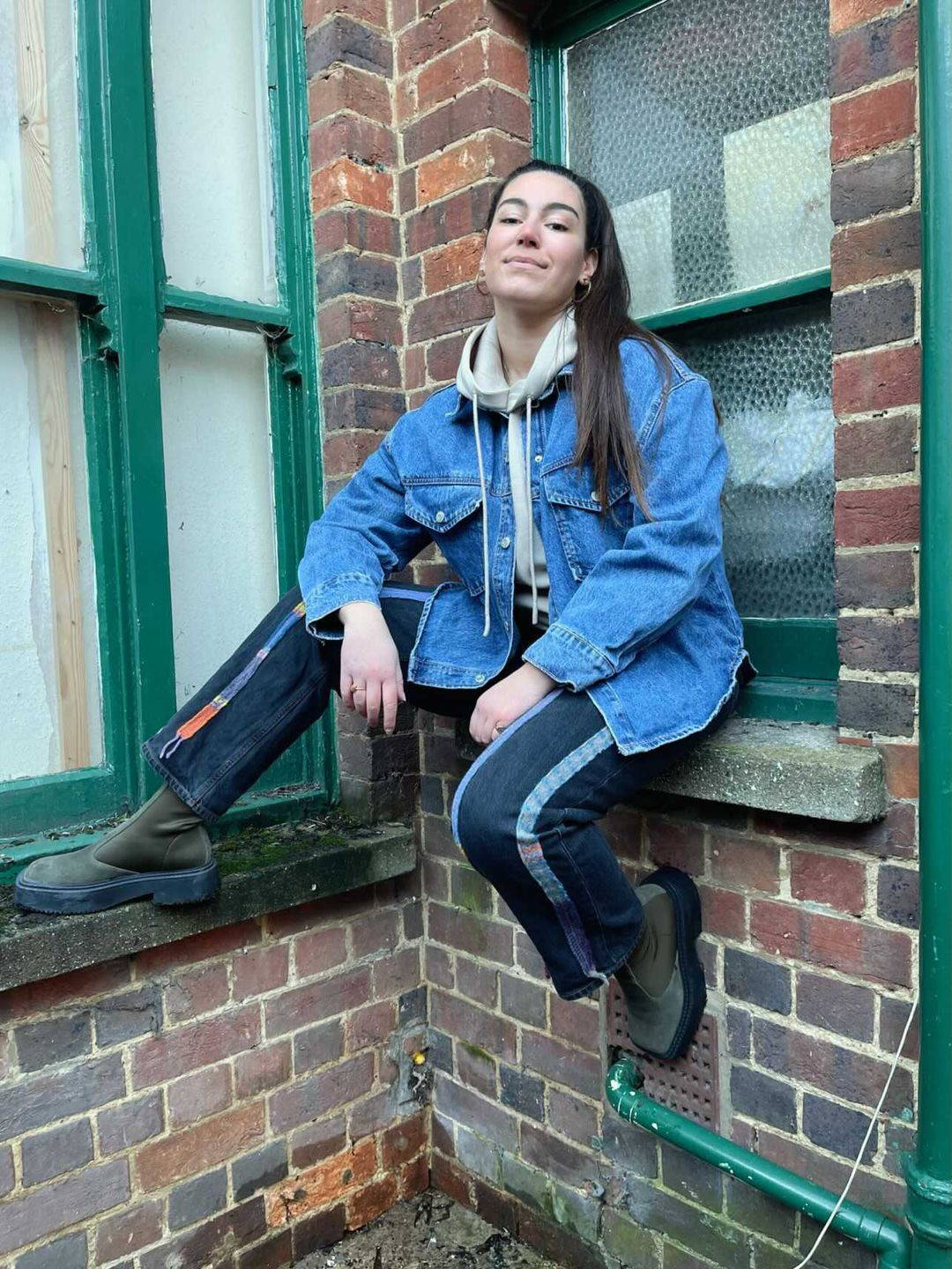 Fanfare label sustainable women's clothing, shop our high waisted blue recycled jeans