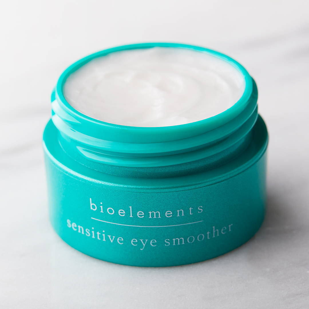 Sensitive around the eyes? Give this delicate area supreme hydration – that also helps smooth texture and reduce the look of puffiness.Sensitive Eye Smoother is packed with rhodiola – to reduce appearance of puffiness as it firms and brightens skin. Plus, saccharide isomerate – a plant-derived carbohydrate complex, delivers a 72-hr deep, discernible moisture reservoir.