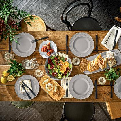 Modern Outdoor Entertaining Tabletop