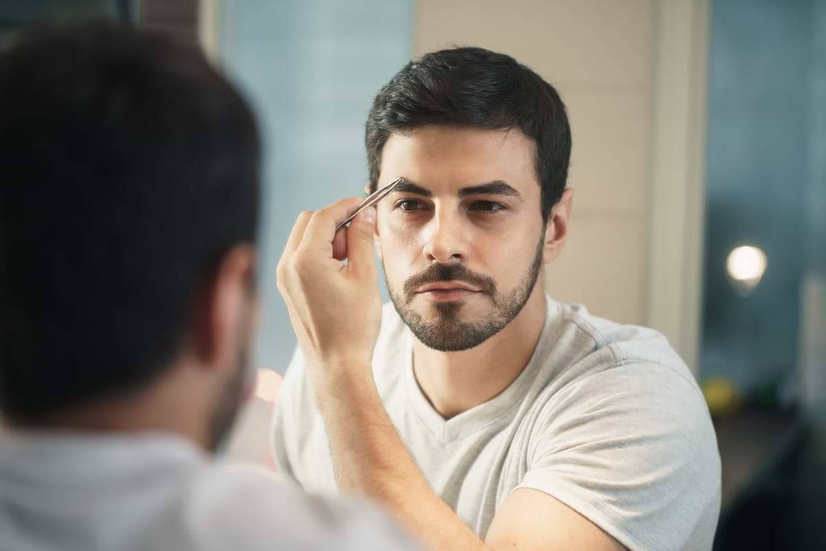 Männer augenbrauenform Augenbrauen zupfen