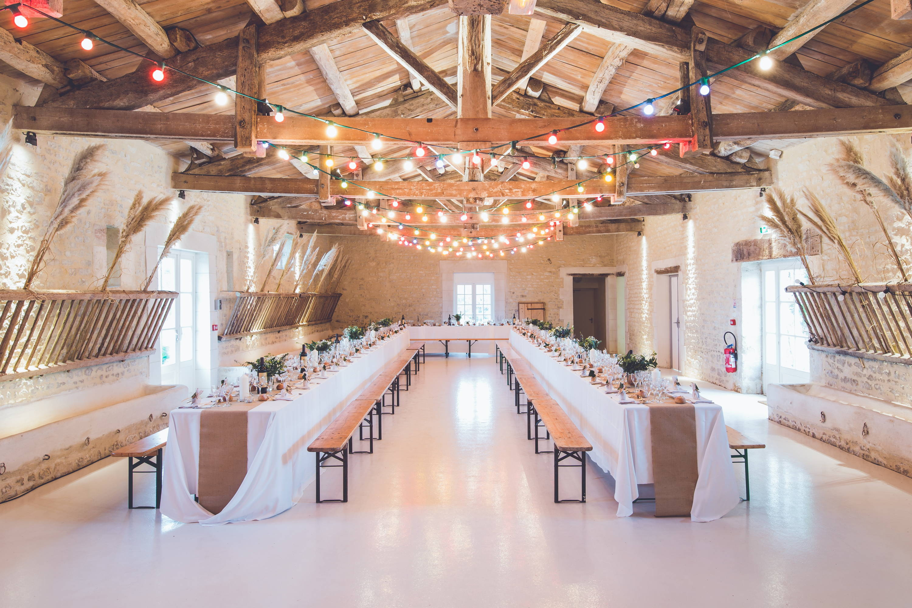 how to save money on wedding venue