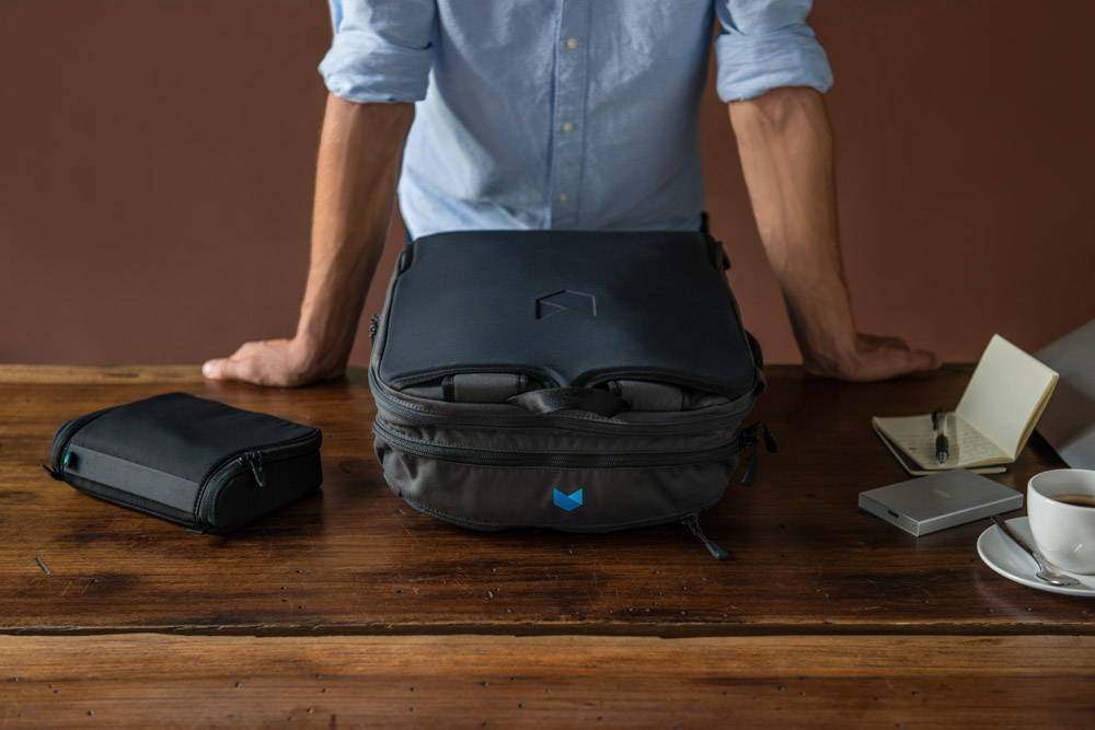 Minaal Daily Bag - Briefcase mode