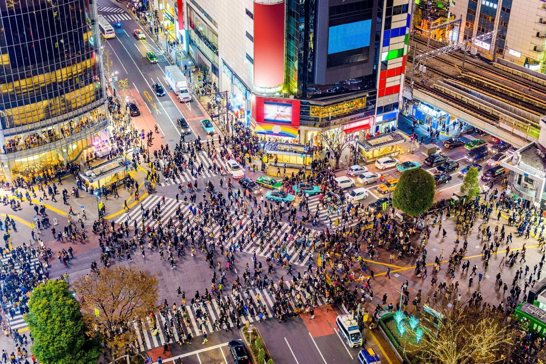 Shibuya scramble crossing in Tokyo at night