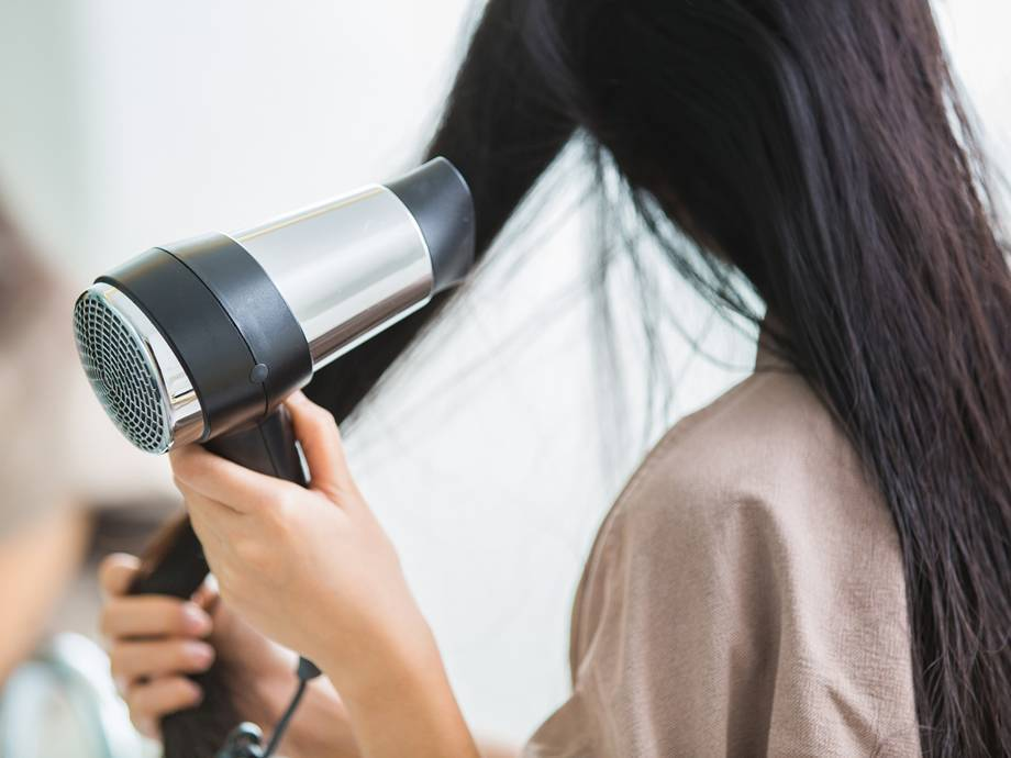 Blow-dry your Straight Hair