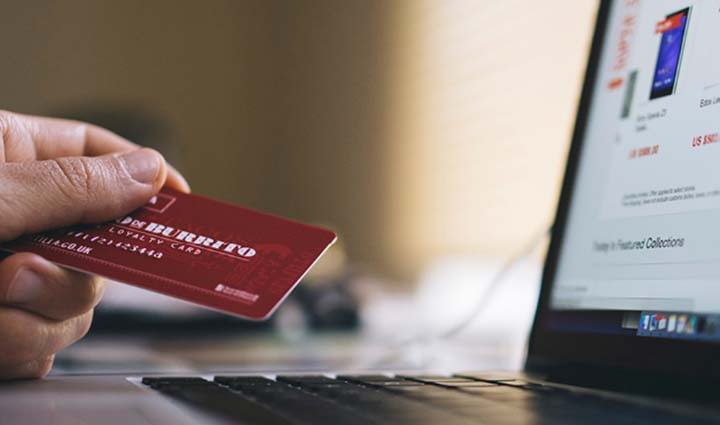 The Big, Post-Virus Push Toward E-commerce | Gildan Brands USA | Board of Decorators