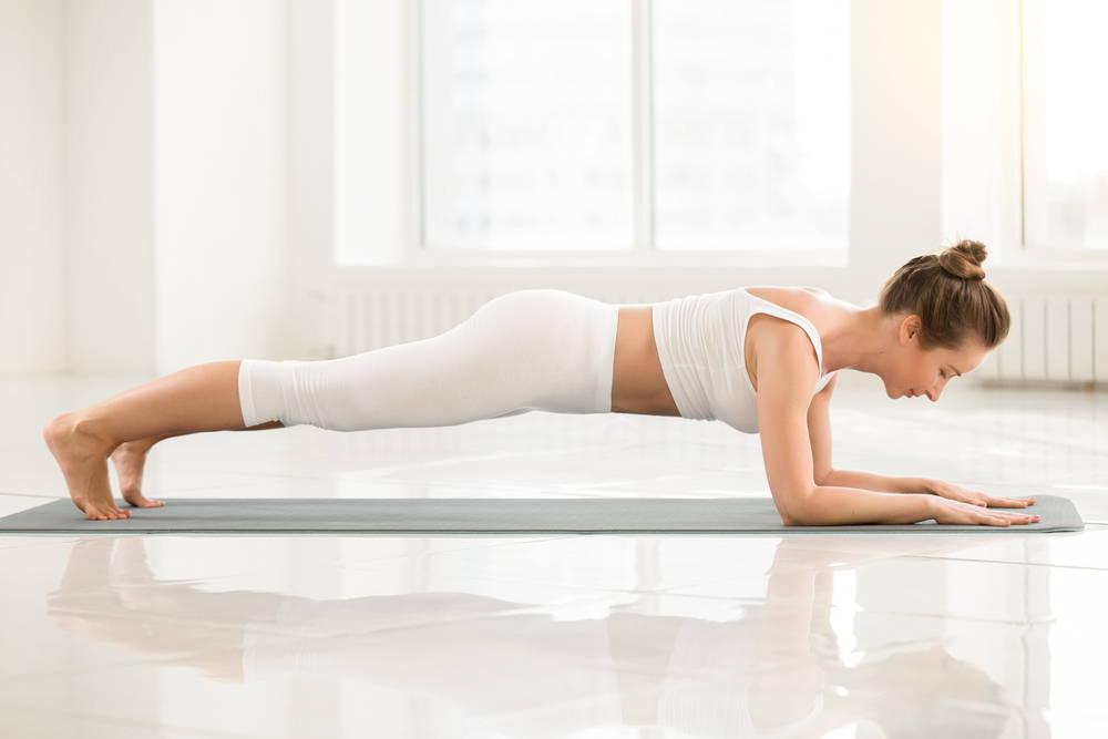 yoga plank pose strengthen core flat tummy