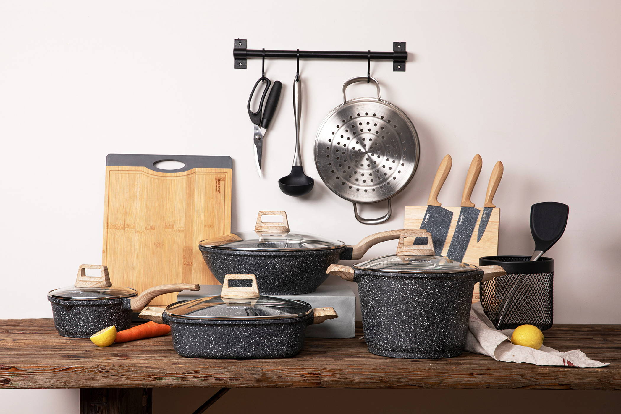 Essential Woody Cookware Set