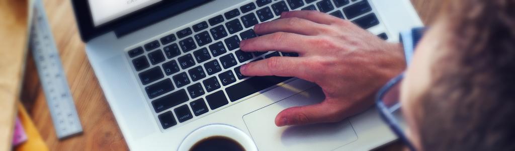 online student seeking instructor support