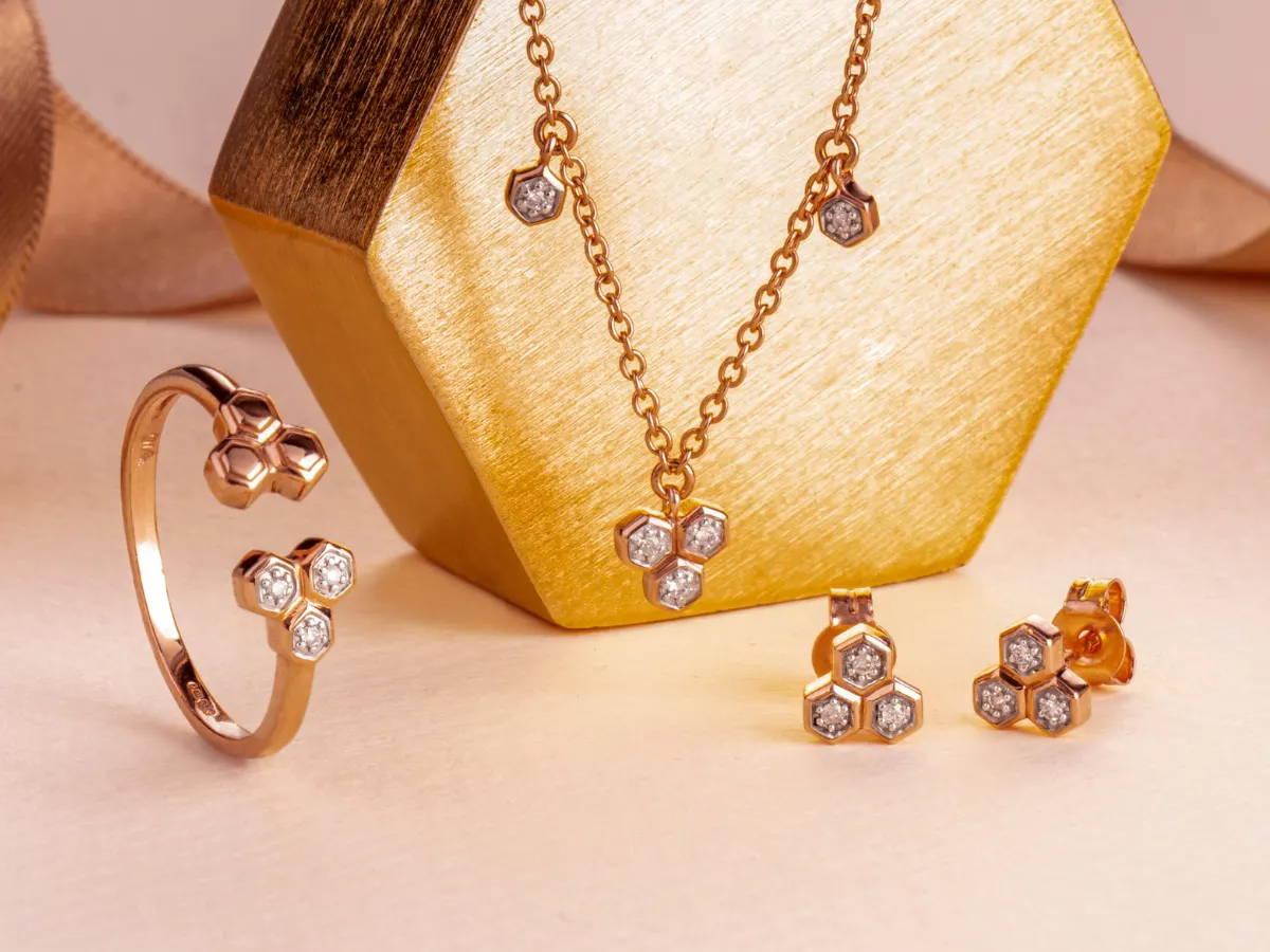 9ct yellow gold diamond trilogy jewellery set