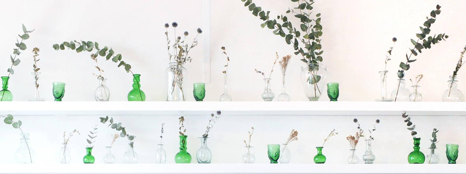 La Soufflerie Vase Display