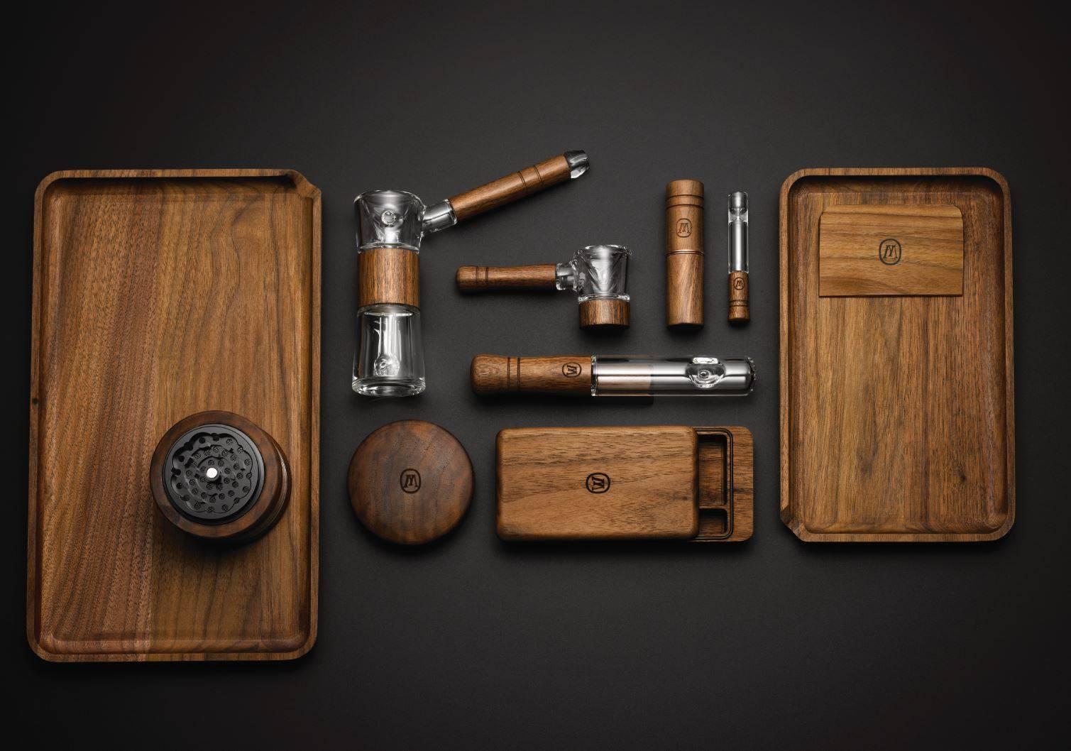 Stylish Marley Natural Walnut Wood & Borosilicate Glass Hand Pipes - DopeBoo