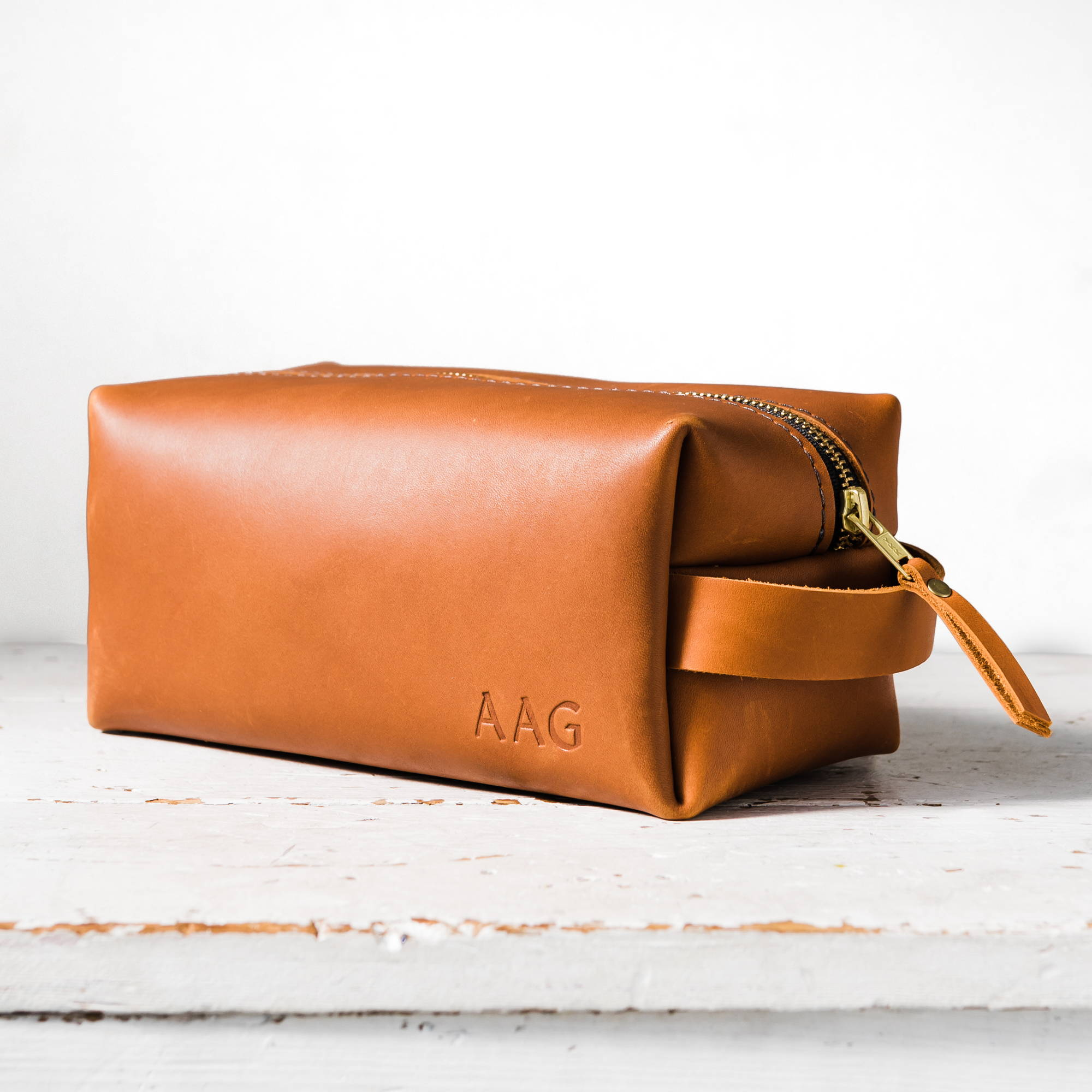 saddle handmade leather dopp kit by portland leather goods