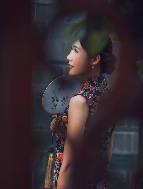 Beautiful woman in Jian Shui - Chun Si - Translator